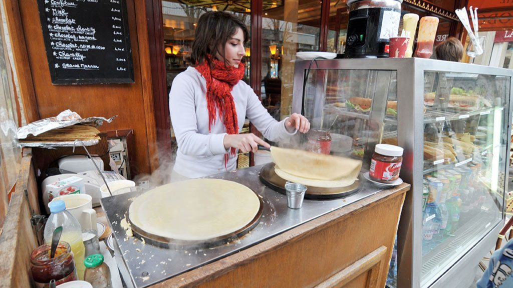 Crêpe making at Quasimodo Café