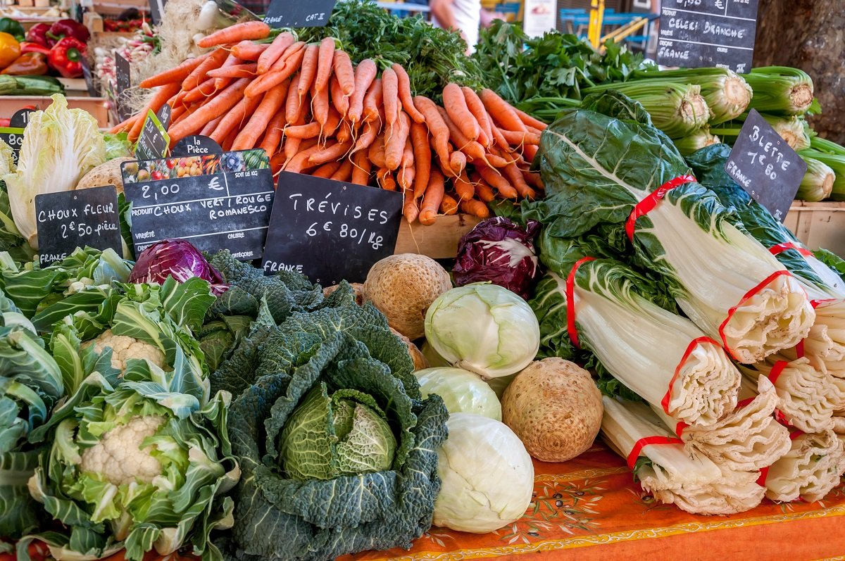 Food market in Aix-en-Provence (Photo by TravelAddicts Lance & Laura Longwell(